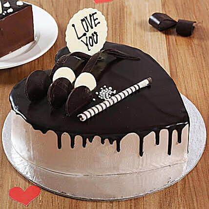 Online creamy Heart shape cake:Send Heart Shaped Cakes to Delhi