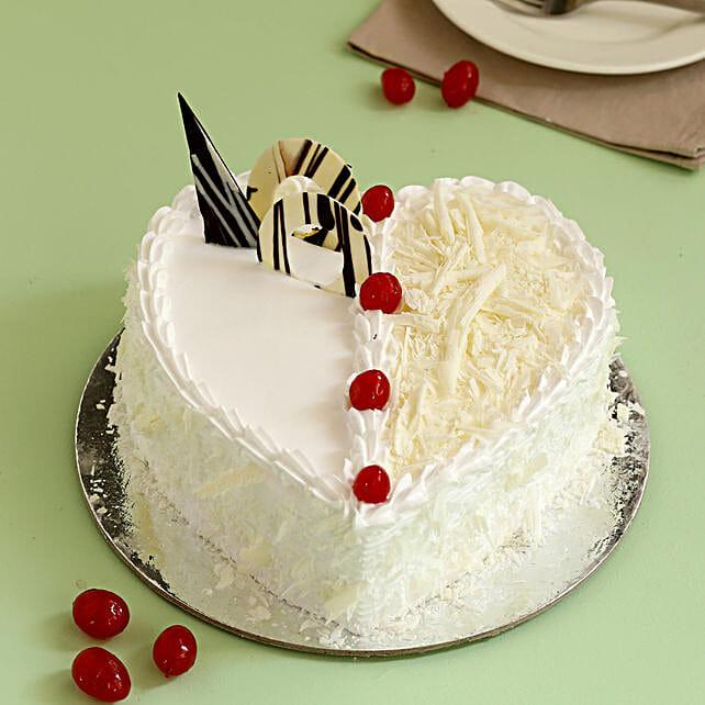 Online Whitet Forest Cake:White Forest Cakes