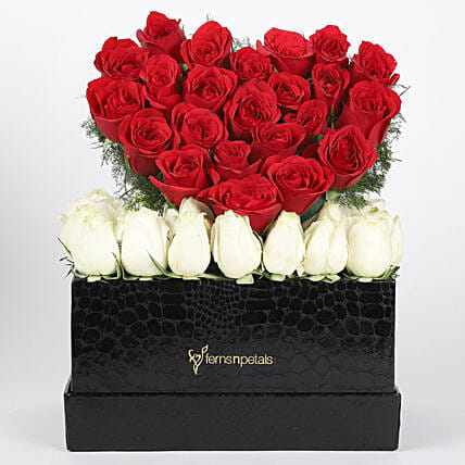 Hearty Red Amp White Roses Box Arrangement Gift Heart Floral