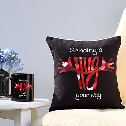 Cushion N Mug for Hug Day Online