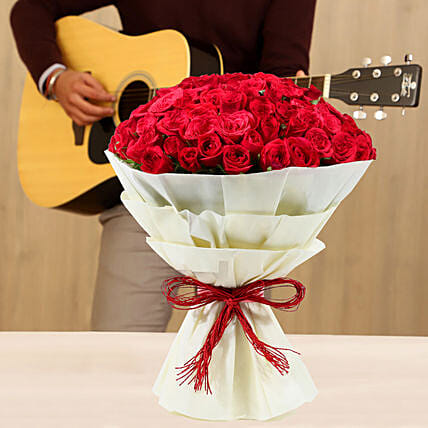 Online Musical Combo With Red Roses Bouquet:Gifts N Guitarist Service