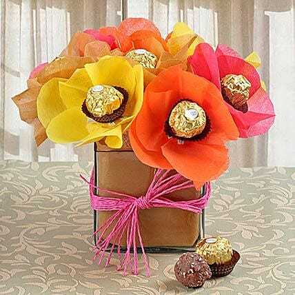 Rocher in Glass Vase