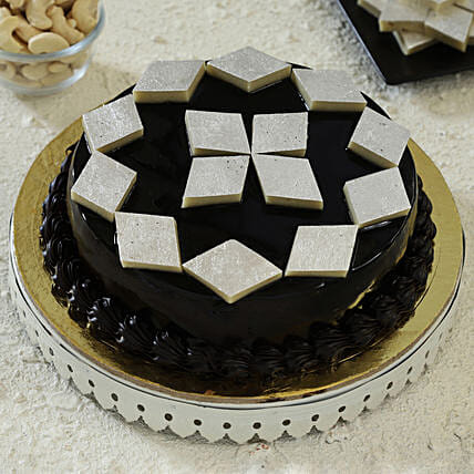 cake with kaju katli toppings:Fusion Cakes