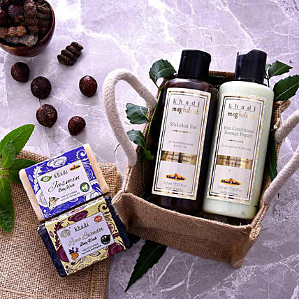 Buy Khadi Natural Beauty Kit:Cosmetics & Spa Hampers