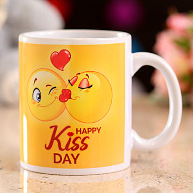 Online Happy Kiss Day Mug
