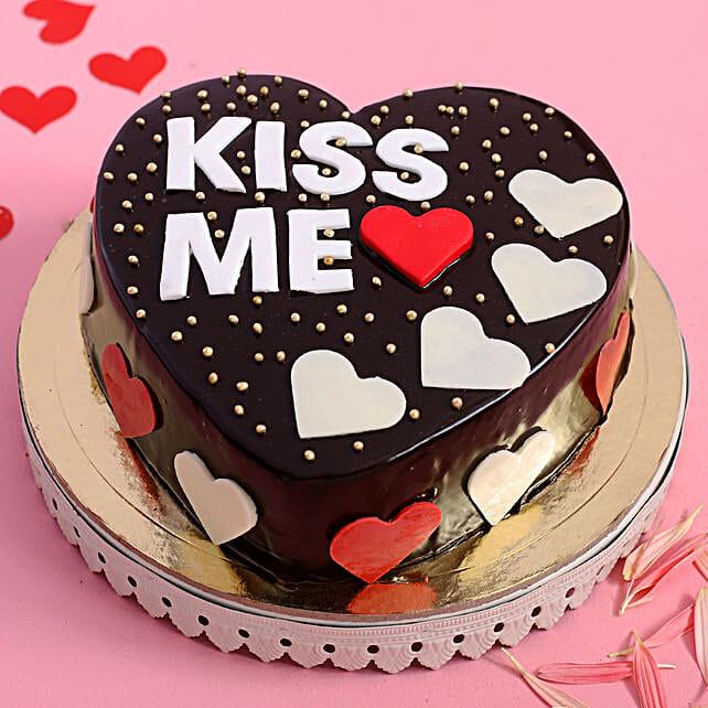 Online Kiss Me Designer Cake