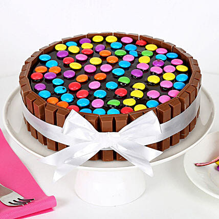 Kit Kat Cake 1kg:Send Anniversary Gifts to Noida