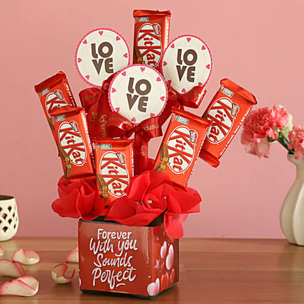 Kitkat Love Arrangement:Order Chocolates