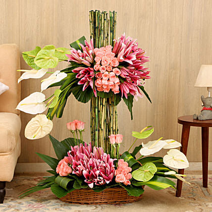 Online Layers Of Flowers:Premium Gifts