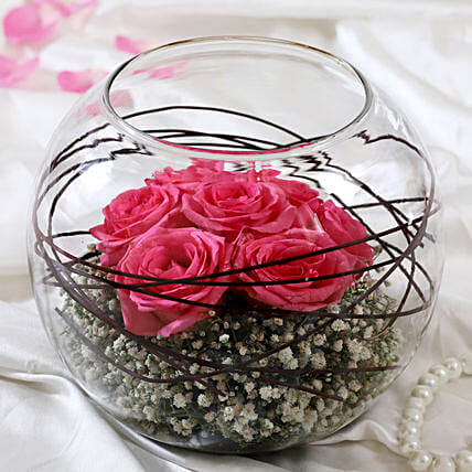 Lovely Pink Roses In Glass Vase:Gifts for Mother