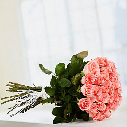 Make Me Blush - Hand bunch of 40 long stem pink roses with raffia knot.:Mothers Day Gifts Udupi