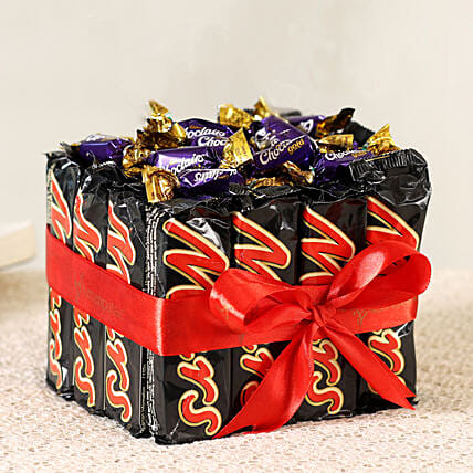 Chocolates & Eclairs Gift Set:Chocolate Bouquet