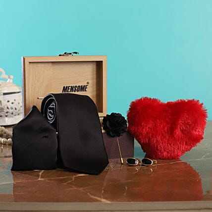 Online Tie Gift Set with Heart for Men:Soft toys for Propose Day