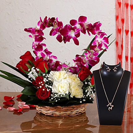 floral basket with necklace set online:Heart Shaped Flower Arrangements