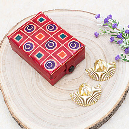 Mothers Day Crescent Earrings And Zero Kata Jewellery Box