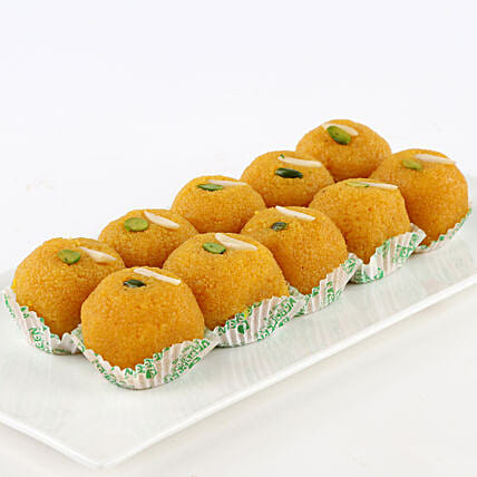 A box of motichoor laddoo sweets