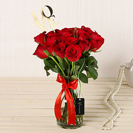 Online Roses Vase Arrangement:Exotic Flowers