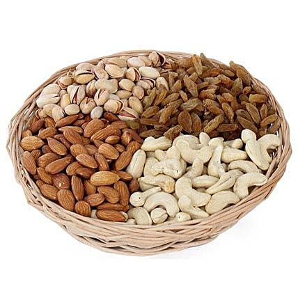 Dry fruits Baske-1 round basket,1 kg Dry Fruits including Almonds,Pista,Cashews,Raisins:Send Gifts for Eid Ul Zuha