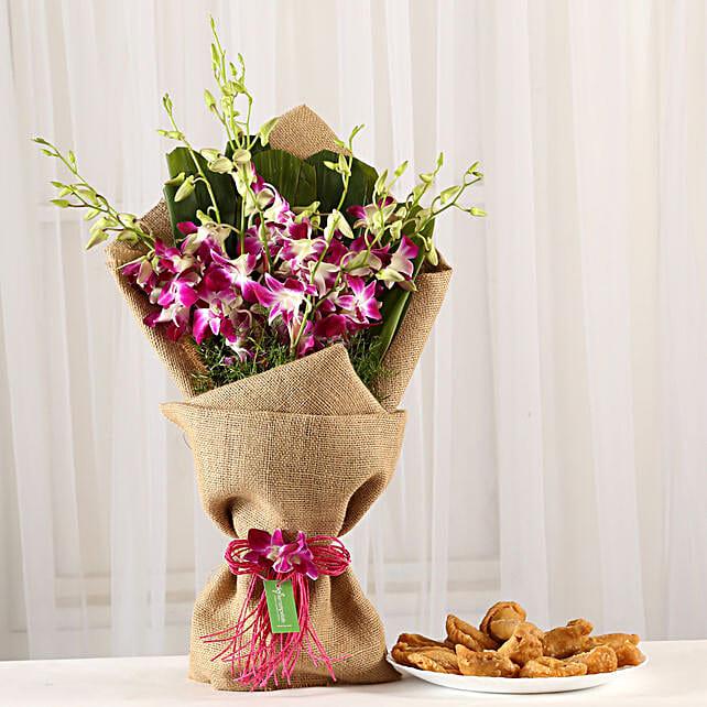 Online Orchids Bouquet & Gujia Combo:Holi Flowers