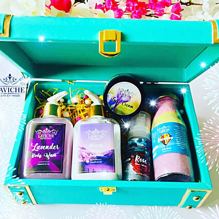 Pamper Your Love Trunk:Send Cosmetics & Spa Hampers