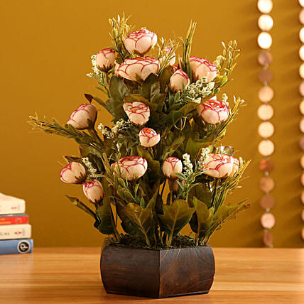 Peach Rahinoclose Rose Arrangement