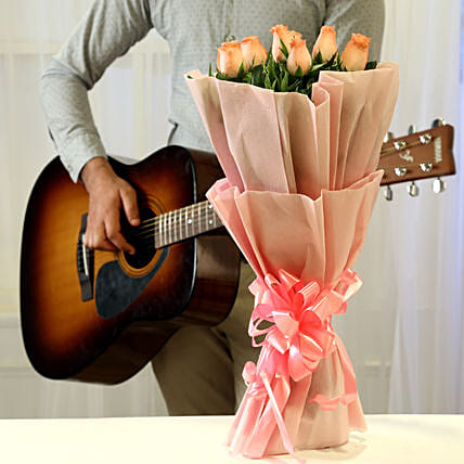 Online Pink Roses And Romantic Tunes Combo:Flowers & Guitarist Service