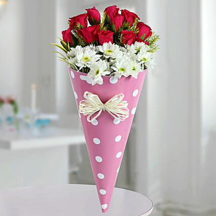 Red and White Daisies Flowers Online:Designer Flower Bouquet