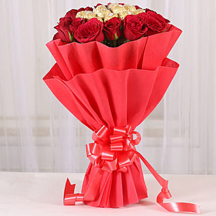 Chocolates and Roses Bouquet chocolates choclates gifts:Ferrero Chocolate