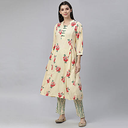 Printed Elegant Kurta with 3 4th Sleeves