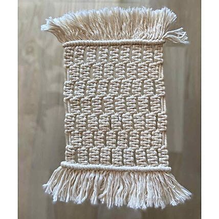 Table mat with tassels
