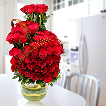 Red Elegance:Flowers for Rose Day