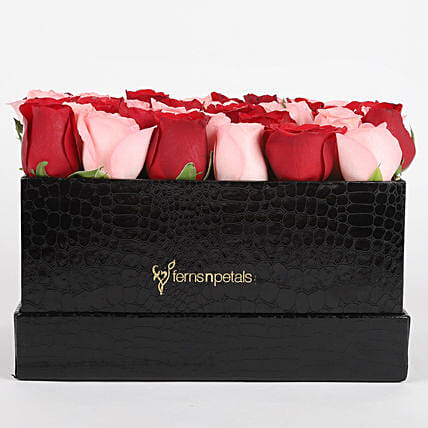 combo of 2 roses in black box arrangement