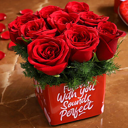 exotic roses arrangement for valentine:Buy Flowering Plants