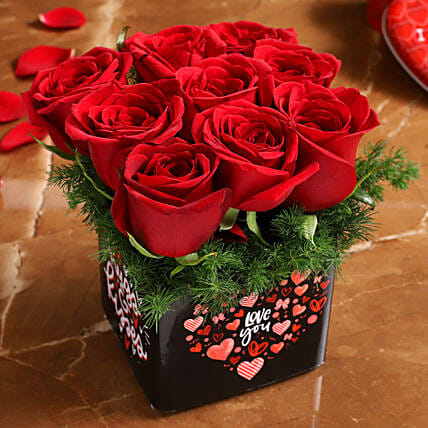 red rose arrangement for valentine:Flower Arrangements