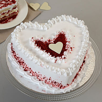 Delicious heart shape cake:Anniversary Heart Shaped Cakes