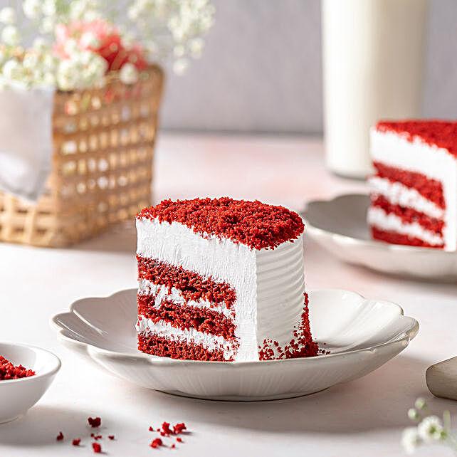 Red Velvet Fresh Cream Cake 2kg Eggless