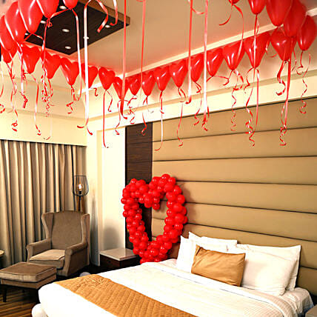Romantic Balloon Decor | Gift Heart Balloons Decoration - Ferns N Petals