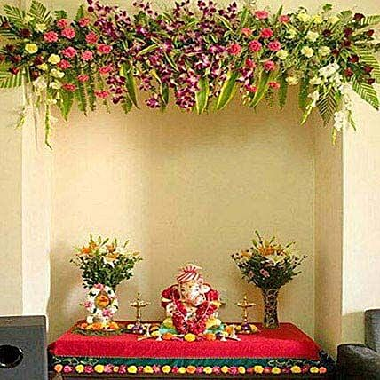Scintillating Floral Ganpati Decoration