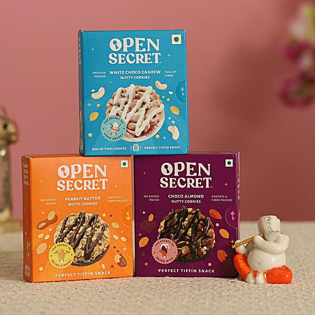 Serene Flute Ganesha Idol & Cookies Combo