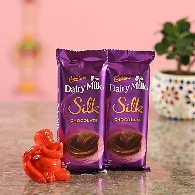 Silk Chocolate Orange Ganesha Idol:Send Diyas