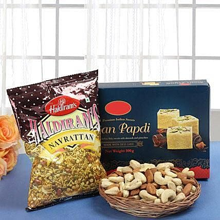 Gift Hamper for bhaubeej:Diwali Sweets & Dry Fruits