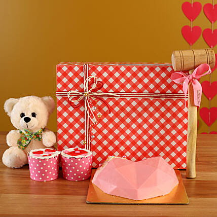 Buy Soothing Pink Love Treat Box Combo:Candies