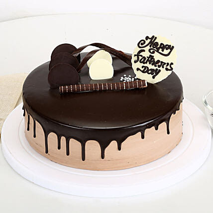 Chocolate Cake on Fathers Day:Send Gifts for Father