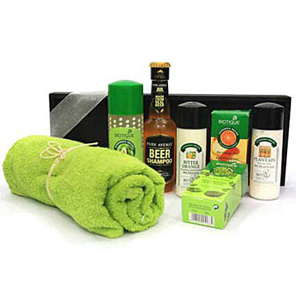 Special One For Special Man-210 ml Body Massage Oil,150 grams Orange Peel Body Soap,150 grams Basil,Parsley Body Soap,120 ml Plaintain Orange Body Lotion,120 ml Plaintain After Shave Balm,200 ml Park Avenue