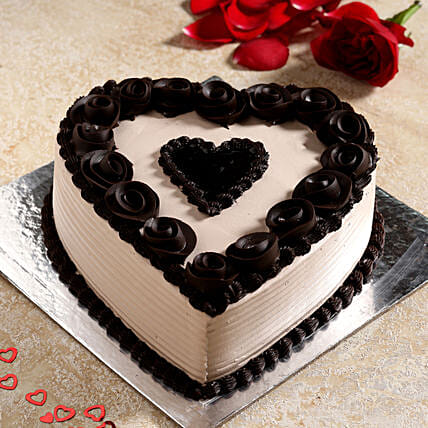 Stylish Black Heart Chocolate Cake