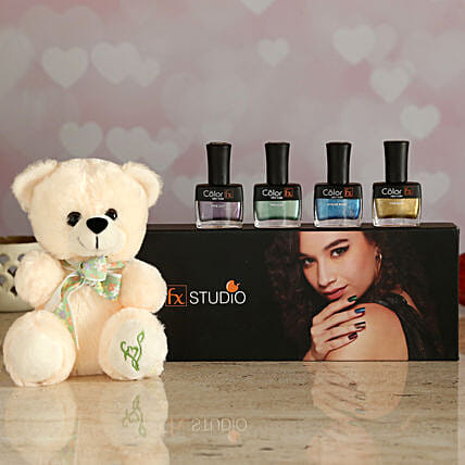 nail paint set with teddy for her