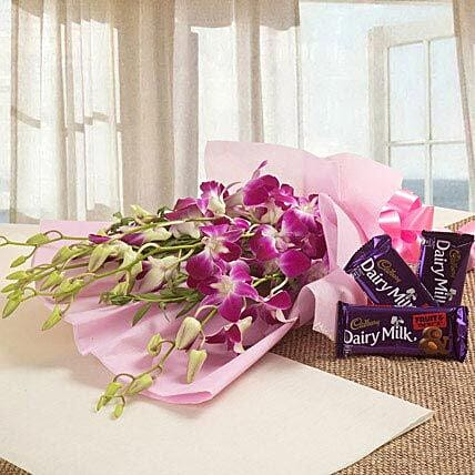 Sweet Delight:Flowers for Doctors Day