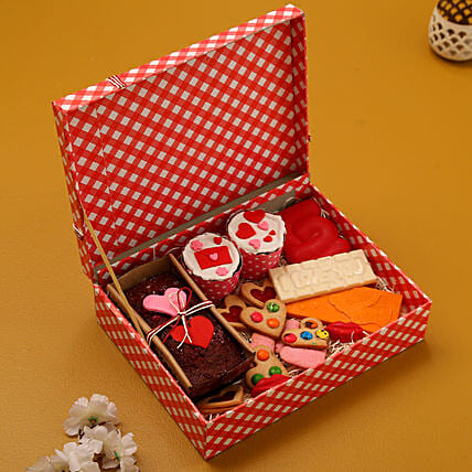 Buy Sweet Love Treat BoxCombo:Candies