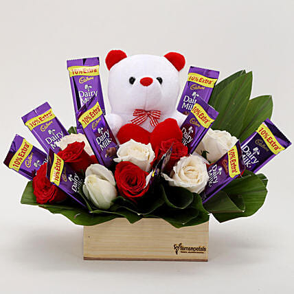 Basket combo surprise online:Soft toys for birthday