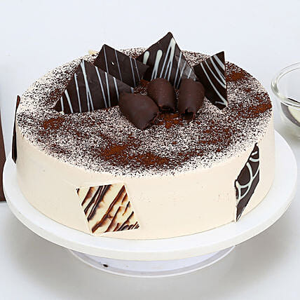 Tiramisu Cake Half kg:Wedding Gifts to Mohali